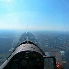 Flugwegposition um 15:35:46: Aufgenommen in der Nähe von Kitzingen, Deutschland in 1064 Meter