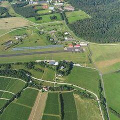 Flugwegposition um 15:55:16: Aufgenommen in der Nähe von Kreisfreie Stadt Würzburg, Würzburg, Deutschland in 751 Meter