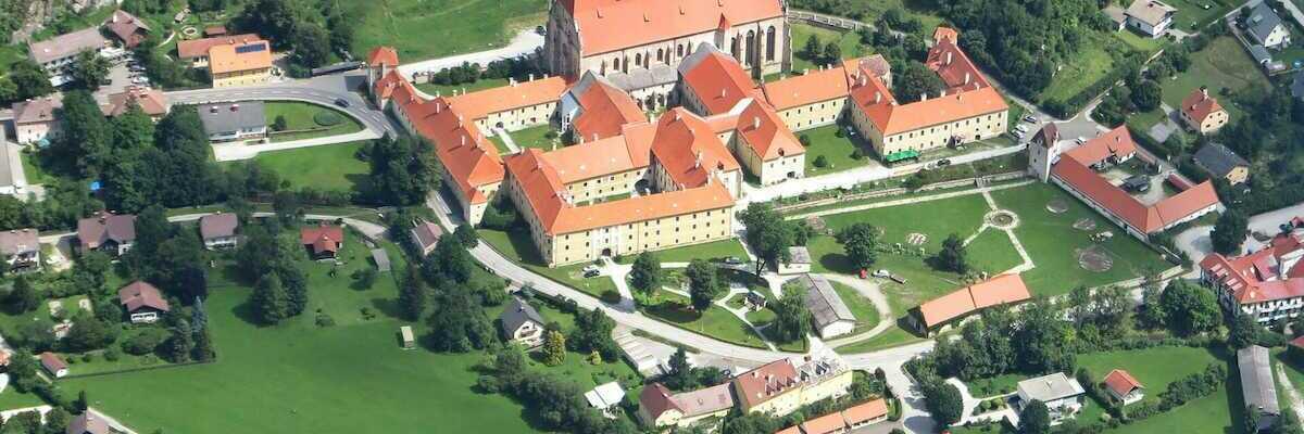 Flugwegposition um 10:00:23: Aufgenommen in der Nähe von Gemeinde Neuberg an der Mürz, 8692, Österreich in 1764 Meter