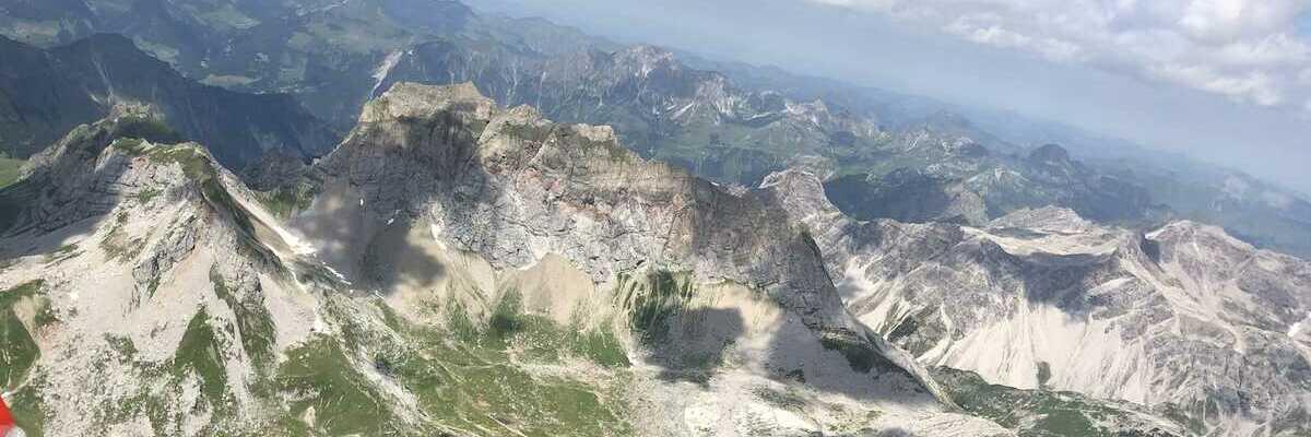 Flugwegposition um 11:20:01: Aufgenommen in der Nähe von Gemeinde Dalaas, Dalaas, Österreich in 2836 Meter