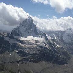 Verortung via Georeferenzierung der Kamera: Aufgenommen in der Nähe von Visp, Schweiz in 4000 Meter