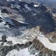 Flugwegposition um 11:54:32: Aufgenommen in der Nähe von Bezirk Inn, Schweiz in 3287 Meter