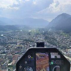 Flugwegposition um 14:08:14: Aufgenommen in der Nähe von Innsbruck, Österreich in 884 Meter