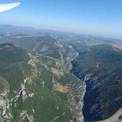 Flugwegposition um 14:23:21: Aufgenommen in der Nähe von Arrondissement de Castellane, Frankreich in 1982 Meter
