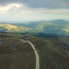 Flugwegposition um 14:22:13: Aufgenommen in der Nähe von Mönichwald, Österreich in 1673 Meter
