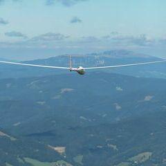 Flugwegposition um 13:16:54: Aufgenommen in der Nähe von Gemeinde Tyrnau, Tyrnau, Österreich in 2011 Meter