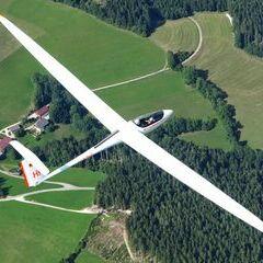 Flugwegposition um 13:26:56: Aufgenommen in der Nähe von Waisenegg, 8190, Österreich in 1953 Meter
