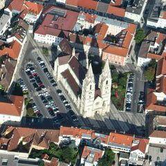 Flugwegposition um 15:03:51: Aufgenommen in der Nähe von Wiener Neustadt, Österreich in 803 Meter