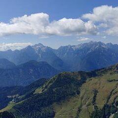 Flugwegposition um 11:04:20: Aufgenommen in der Nähe von Gemeinde St. Jakob im Rosental, Österreich in 1934 Meter
