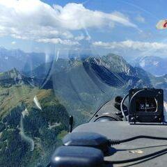 Flugwegposition um 11:04:10: Aufgenommen in der Nähe von Gemeinde St. Jakob im Rosental, Österreich in 1939 Meter
