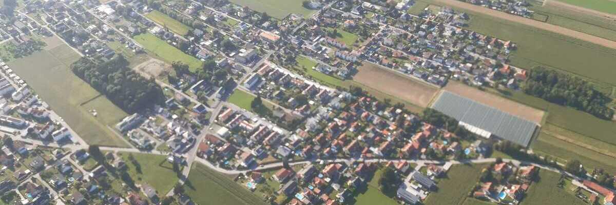 Flugwegposition um 14:54:51: Aufgenommen in der Nähe von Gemeinde Hausmannstätten, 8071 Hausmannstätten, Österreich in 790 Meter