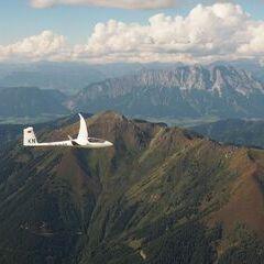 Flugwegposition um 13:59:07: Aufgenommen in der Nähe von St. Nikolai im Sölktal, 8961, Österreich in 2642 Meter