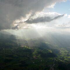 Flugwegposition um 15:18:16: Aufgenommen in der Nähe von Gemeinde Roßleithen, 4575, Österreich in 1962 Meter
