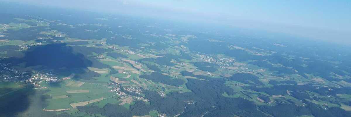 Flugwegposition um 15:21:09: Aufgenommen in der Nähe von Gemeinde Rainbach im Mühlkreis, Rainbach im Mühlkreis, Österreich in 1807 Meter