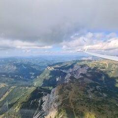 Flugwegposition um 12:57:06: Aufgenommen in der Nähe von Kapellen, Österreich in 2211 Meter
