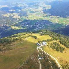 Flugwegposition um 11:45:45: Aufgenommen in der Nähe von Gemeinde Mauterndorf, 5570 Mauterndorf, Österreich in 2123 Meter