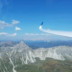 Flugwegposition um 13:00:54: Aufgenommen in der Nähe von Gemeinde Zederhaus, 5584, Österreich in 2445 Meter