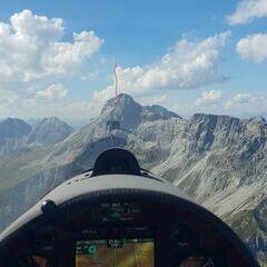 Flugwegposition um 13:00:57: Aufgenommen in der Nähe von Gemeinde Zederhaus, 5584, Österreich in 2445 Meter