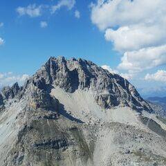 Flugwegposition um 13:02:31: Aufgenommen in der Nähe von Gemeinde Zederhaus, 5584, Österreich in 2398 Meter