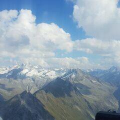 Flugwegposition um 14:12:30: Aufgenommen in der Nähe von Gemeinde Gerlos, 6281 Gerlos, Österreich in 2815 Meter