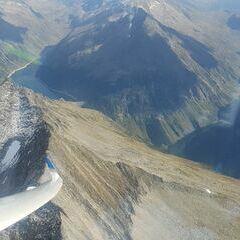 Flugwegposition um 14:17:32: Aufgenommen in der Nähe von Gemeinde Brandberg, 6290, Österreich in 3024 Meter