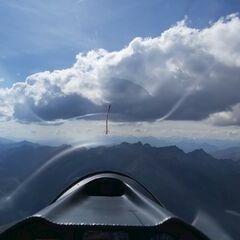 Flugwegposition um 13:03:46: Aufgenommen in der Nähe von Gemeinde Tux, Österreich in 2902 Meter