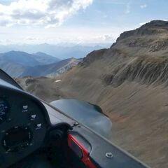 Flugwegposition um 13:06:14: Aufgenommen in der Nähe von Gemeinde Tux, Österreich in 2670 Meter