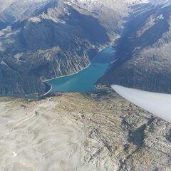 Flugwegposition um 13:15:45: Aufgenommen in der Nähe von Gemeinde Finkenberg, Österreich in 3494 Meter
