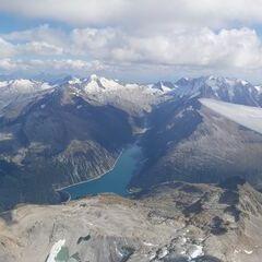 Flugwegposition um 13:42:42: Aufgenommen in der Nähe von Gemeinde Tux, Österreich in 3575 Meter