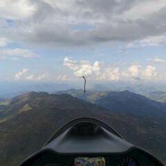 Flugwegposition um 14:36:35: Aufgenommen in der Nähe von Hopfgarten im Brixental, Österreich in 2575 Meter