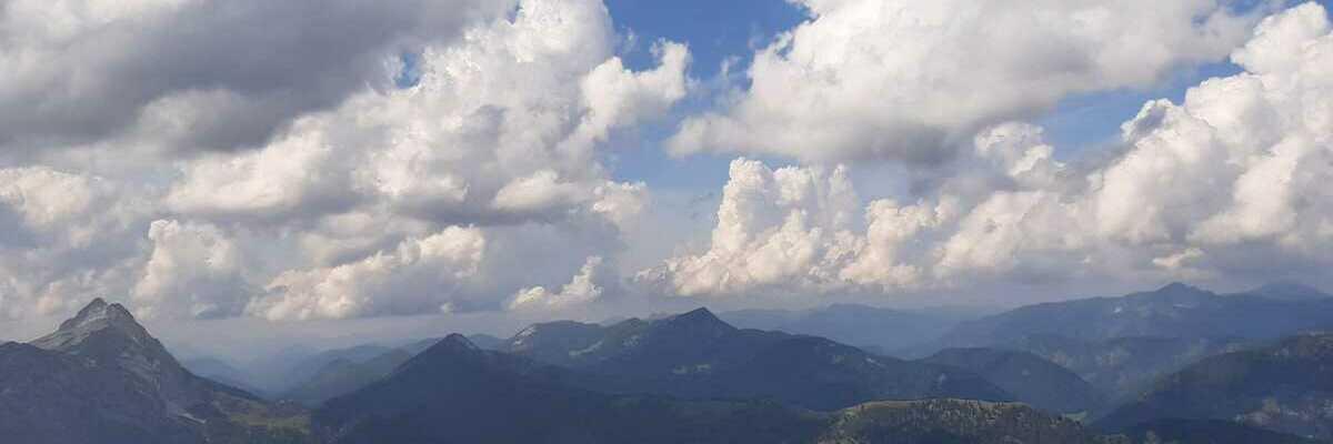 Flugwegposition um 12:15:21: Aufgenommen in der Nähe von Gemeinde Brandenberg, 6234, Österreich in 1928 Meter