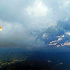 Flugwegposition um 13:47:04: Aufgenommen in der Nähe von Gemeinde Stanz im Mürztal, Österreich in 2116 Meter
