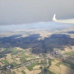 Flugwegposition um 14:27:11: Aufgenommen in der Nähe von Gemeinde Groß-Siegharts, Österreich in 1658 Meter