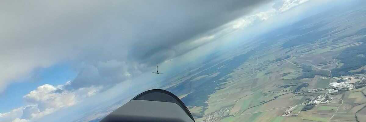 Flugwegposition um 12:16:19: Aufgenommen in der Nähe von Gemeinde Horn, Horn, Österreich in 1436 Meter
