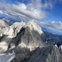 Flugwegposition um 10:14:51: Aufgenommen in der Nähe von Gemeinde Bovec, Slowenien in 2461 Meter