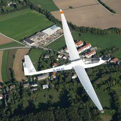 Flugwegposition um 14:02:26: Aufgenommen in der Nähe von Gemeinde Würflach, 2732, Österreich in 1196 Meter