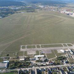 Flugwegposition um 14:14:19: Aufgenommen in der Nähe von Wiener Neustadt, Österreich in 690 Meter