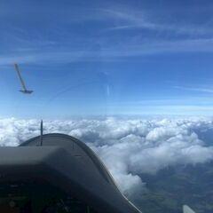 Flugwegposition um 10:26:54: Aufgenommen in der Nähe von Gemeinde Nötsch im Gailtal, Österreich in 3298 Meter