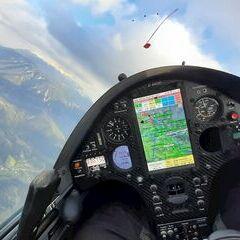 Flugwegposition um 14:48:31: Aufgenommen in der Nähe von Gemeinde Schwarzau im Gebirge, Österreich in 1635 Meter